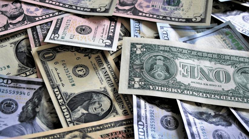 para-los-inversores-el-dolar-esta-prohibido-y-pagan-23-mas-para-escapar-del-peso