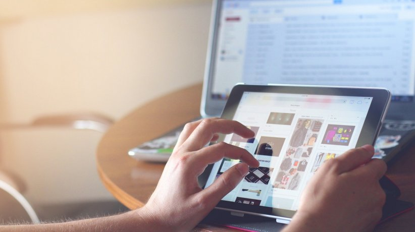 laptop-technology-ipad-tablet-35550