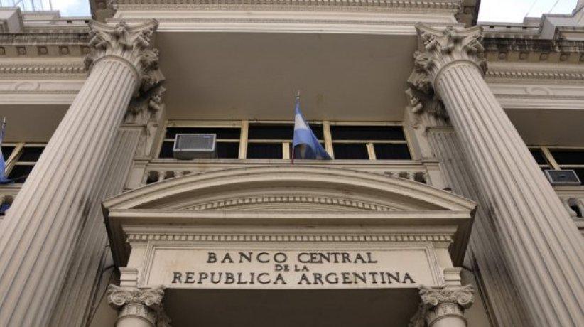 El Banco Central aplicó una serie de medidas de control al dólar para la deuda q