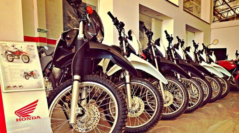 Motos.