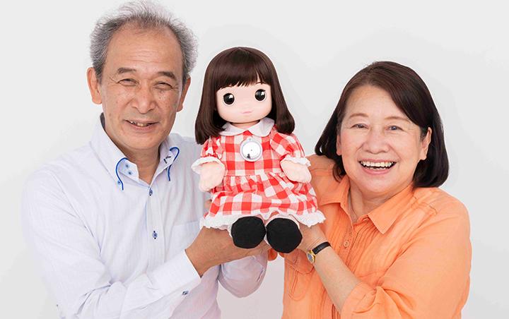 Desarrollan una muñeca con inteligencia artificial para ayudar a afrontar la soledad entre las personas mayores